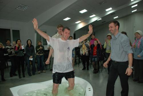 Новосибирск: Футбольное поле для благовестия