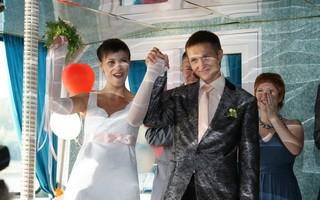 Церковь в Уфе провела свадебную церемонию на теплоходе