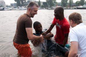 В Санкт-Петербурге крестился житель Камеруна