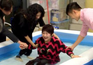 За крещение моей мамы в Гонконге (Китай) я молилась 16 лет