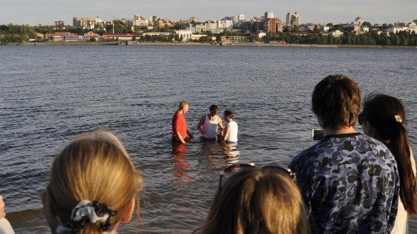 Крещение в Перми на берегу реки Кама