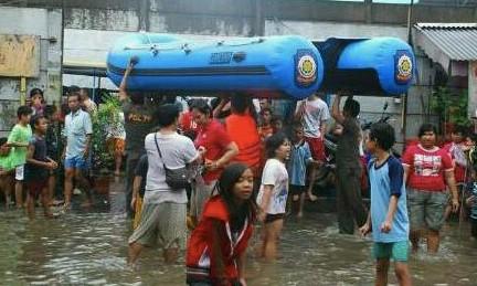 Наводнение в Джакарте: Молитесь за всех пострадавших