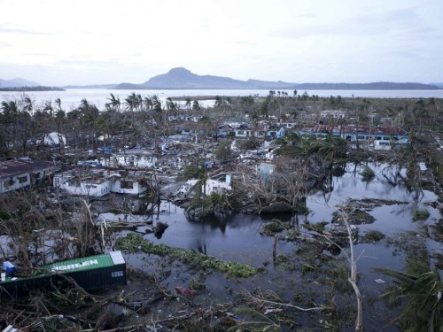 Спустя 16 дней после тайфуна на Филиппинах нашелся пропавший брат