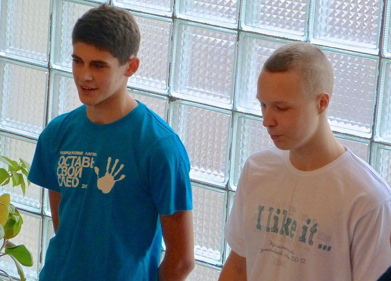 В Санкт-Петербурге крестились еще два подростка