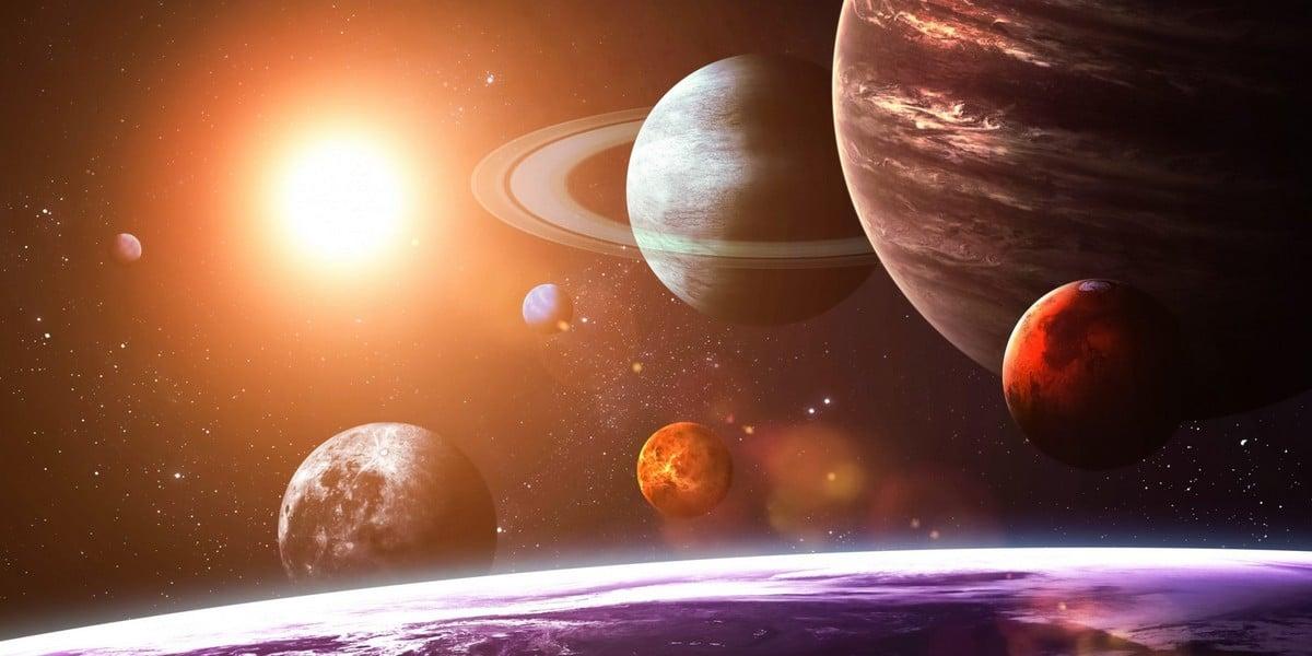 Парад планет: Что случится, если все девять планет однажды выстроятся в один ряд?