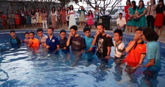 Во Вьетнаме за неделю крестилось одиннадцать неженатых мужчин