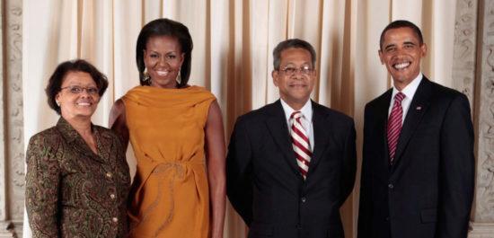 Бывший заместитель премьер-министра Ямайки и его жена были крещены