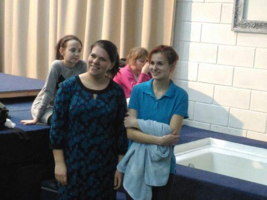 """Крещение в Новосибирске: """"Церковь — это та семья, о которой я мечтала"""""""