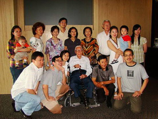 В Джакарте крестился 100-летний ученик Христа