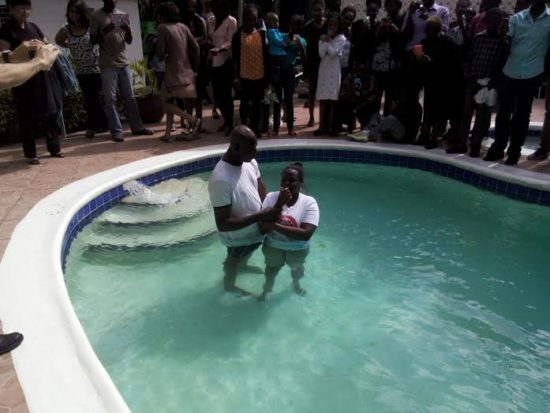 В Кингстоне радуются еще одному крещению в семье!