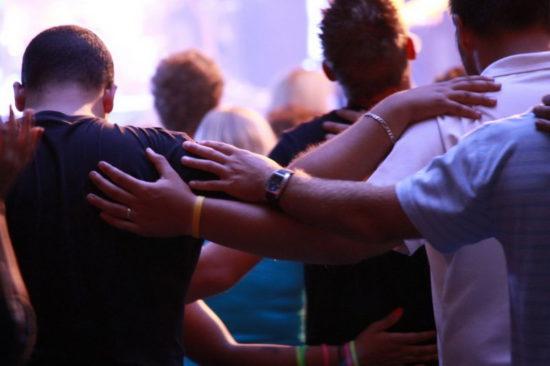 Зачем молиться Богу за других людей?