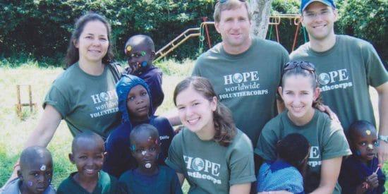 Служа бедным всей семьей: помогая нуждающимся ты меняешь и свое сердце