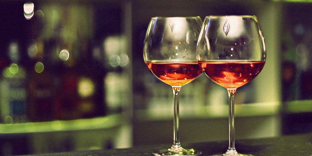 Должны ли христиане пить вино вместо сока?