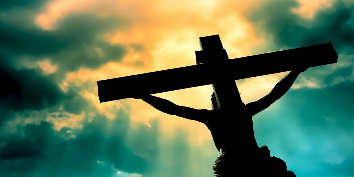 """Молитвы к """"святым"""" иконам - идолопоклонство?"""